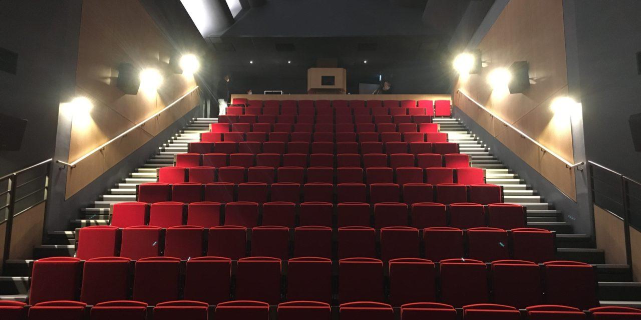 Domfront en Poiraie : du cinéma itinérant à l'ouverture d'une salle fixe